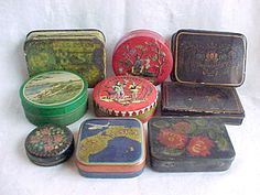 Vintage Small Tin Boxes - 9 Round & Square Metal Tins - Panama TypewrIter Ribbon, Dill's Best Cut Plug, Toleware Painted, Golf Course, Red