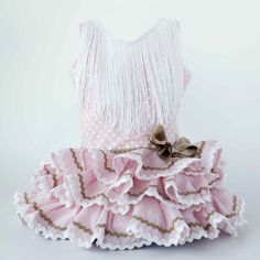 falda flamenca de niña - Buscar con Google Refashion, Sewing Tutorials, Couture, Baby Dress, Free Pattern, Mickey Mouse, Diy And Crafts, Ruffle Blouse, Womens Fashion
