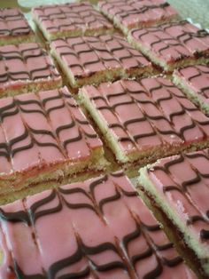 Gluteeniton aleksanterin leivos Sugar Cookie Cakes, Gluten Free Sugar Cookies, Breakfast Dessert, Vegan Treats, Let Them Eat Cake, Afternoon Tea, I Foods, Gluten Free Recipes, Sweet Tooth
