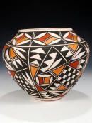 Acoma Pueblo Pottery click now for info. Native American Baskets, Native American Pottery, Native American Indians, Southwest Pottery, Southwest Art, Ceramic Pottery, Pottery Art, Vases, Navajo Art