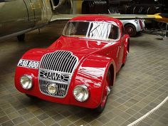 "Jawa 750 ""1000 mil československých"" (1935) Vintage Cars, Antique Cars, Mode Of Transport, Motor Car, Transportation, Vehicles, Europe, Toy, Passion"