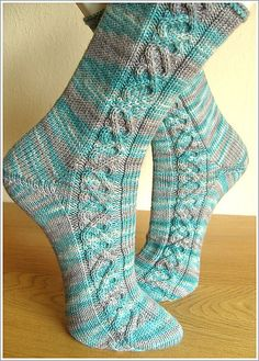 Ravelry: Helix Cable Socks pattern by Stephanie Domaschke Crochet Mittens Free Pattern, Crochet Socks, Knit Or Crochet, Knit Socks, Knitted Slippers, Crochet Granny, Loom Knitting, Knitting Socks, Free Knitting
