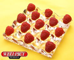 Super cool & fully flavorful Well Pict Raspberries are the perfect choice for Mom - and for the whole family! Raspberries, Healthy Treats, Wellness, Holidays, Mom, Cool Stuff, Crafts, Color, Beauty