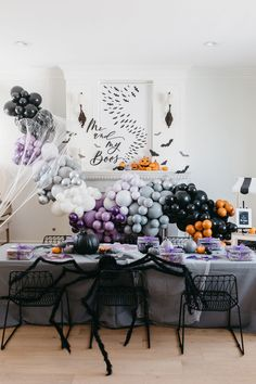 DIY Balloon Garland Arch Kit / Custom High Quality MATTE Colors - Halloween, Ghosts, Pumpkins, Scary, Costumes, Monsters Halloween Inspo, Halloween Party Decor, Halloween House, Holidays Halloween, Happy Halloween, Halloween Backdrop, Halloween Ghosts, Halloween 2020, Blowing Up Balloons