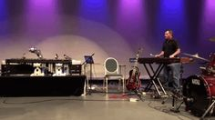 #shimon the #musicalRobot jams with a human marimba player at moogfest..... http://www.designboom.com/technology/shimon-robot-moogfest-06-19-2017/ …