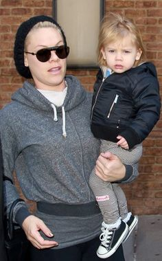 Oh my goodness, we can't get over how adorable little Willow is! But we also have our eyes on the crazy wide and thick bridge on Pink's round sunnies! WOW!