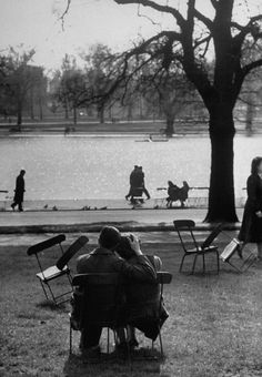 Cornell Capa- Lovers,London,1951.