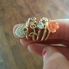 Ring set! Too big for me never worn !!! Great condition!! Jewelry Rings