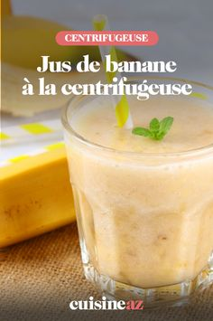 Dans ce jus de banane à la centrifugeuse, il y a aussi de la pomme et de la poire. #recette#cuisine#banane #pomme #poire#jus #robot #centrifugeuse Cantaloupe, Robot, Pudding, Fruit, Desserts, Juice, Banana, Apple, Cooking Recipes
