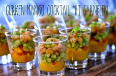 Melina's Rezeptearchiv: Gurken-Mango Cocktail mit Garnelen – Fingerfood im Glas Melina's recipe archive: Cucumber and mango cocktail with shrimps – finger food in a glass Mango Cocktail, Mango Drinks, Cucumber Cocktail, Party Finger Foods, Snacks Für Party, Healthy Foods To Eat, Healthy Life, Healthy Recipes, Food To Go