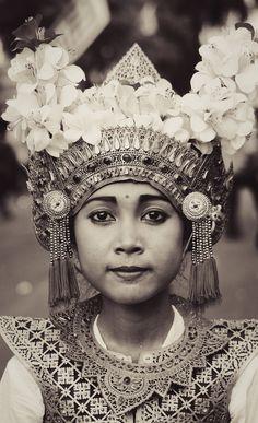 portrait bhisama dancer from tabanan, bali, indonesia  www.facebook.com/loveswish