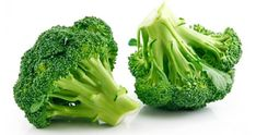 Yes, dogs can eat broccoli. They can eat cooked and raw broccoli as long as there are no seasonings. Broccoli should only be given in small amounts. How To Cook Broccoli, Broccoli Recipes, Italian Broccoli, Grilled Broccoli, Fresh Broccoli, Broccoli Cauliflower, Broccoli Florets, Soup Recipes, Brussels Sprouts