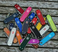 Buck Knives, Victorinox Swiss Army, Pocket Knives, Tactical Knives, Knives And Swords, Swiss Army Knife, Folding Knives, Knifes, Toys For Boys
