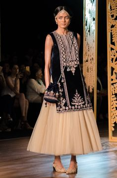 Anita Dongre Couture 2017 + What I Wore - HeadTilt Pakistani Dresses, Indian Dresses, Indian Outfits, Elegant Dresses, Casual Dresses, Fashion Dresses, Stylish Dresses, Ethnic Fashion, Indian Fashion
