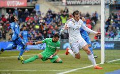 GETAFE 0-3 REAL MADRID | Bale wheels away in celebration after stabbing the ball past Getafe's keeper. #halamadrid