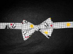 Gravatas borboleta infantis com estampas variadas. Tamanhos personalizados para todas as idades. (as fotos das gravatas nos meninos são apenas ilustrativas) R$ 25,00