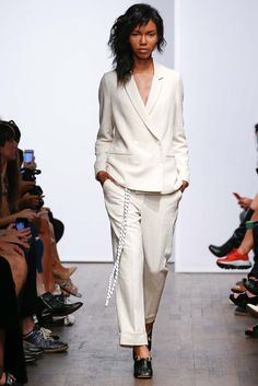 Carin Wester Stockholm Spring 2016 - Collection - Gallery - Style.com