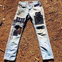 Textile Patterns, Textile Design, Textile Art, Textiles, Visible Mending, Best Wear, Boro, Needlework, Indigo