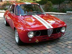 Classic Car News Pics And Videos From Around The World Alfa Bertone, Alfa Gta, Alfa Romeo Gta, Vintage Sports Cars, Vintage Cars, Alpha Romeo, Sweet Cars, Cars And Motorcycles, Luxury Cars