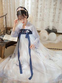 Cute Dresses, Beautiful Dresses, Cute Outfits, Traditional Fashion, Traditional Dresses, Chinese Clothing, Kawaii Clothes, Hanfu, Ao Dai