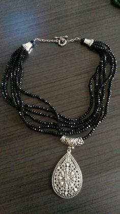 Siyah kesme kristal taş kolye