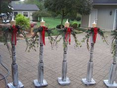 -Christmas DIY- Check out these DIY outdoor Christmas decorations that make it cheap & easy to get your porch & yard looking festive for the Holidays. Make your home the most festive on the block with these creative DIY Christmas decorations. Christmas Porch, Noel Christmas, Rustic Christmas, Christmas Projects, Simple Christmas, Christmas Wreaths, Christmas Lights, Christmas Picks, Christmas Ideas