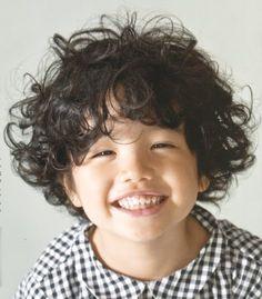 i love those curly hair!