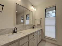 Beautiful Barton Creek Country Club Home In The Cozy & Gated Endearing Bathroom Remodeling Austin Texas Design Decoration