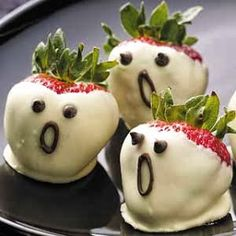 Buddy & Button: Tricks & Treats - Halloween food ideas for kids