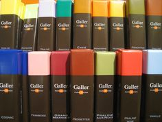 Galler Dark Chocolate Praline Bars 70 g – JENJEN Products