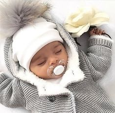 Baby Hat Newborn Photography Props Kids Cotton Pompom Hat Winter Cap For Baby Girls And Boys Bonnet Children's Accessories Baby Outfits, Photography Props Kids, Urban Photography, Newborn Beanie, Boy Newborn, Baby Bonnets, Baby Arrival, Pregnant Mom, Baby Kind