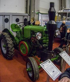 dutra traktoren typen - Google-søgning Beast From The East, Compact Tractors, Yesterday And Today, Monster Trucks, Vehicles, Transportation, Google, Cool Guns, Fotografia