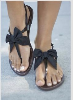 Bow sandals <3