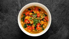 Cizrnové kari Thai Red Curry, Salsa, Ethnic Recipes, Food, Drink, Beverage, Essen, Salsa Music, Meals
