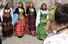 FolkCostume&Embroidery: Is there a Sicilian Folk Costume?