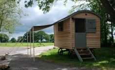 Stunning Shepherds Hut, garden office, Studio, Vintage caravan, camping pod