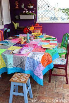 Bandana table cloth ~ love this! Interior Design Plants, Interior Design Living Room, Scrap Fabric Projects, Sewing Projects, Bandana Quilt, Bandana Crafts, Bohemian Bedroom Decor, Sewing Table, Home And Deco