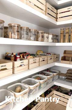 Küche Kitchen Pantry Organization Ideas Tips For Choosing The R Kitchen Pantry Design, Kitchen Island Decor, Diy Kitchen, Kitchen Pantries, Kitchen Interior, Kitchen Islands, Modern Kitchen Decor, Farm Kitchen Ideas, Pantry Interior
