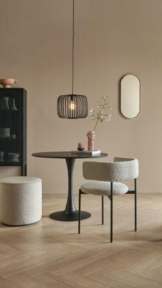 Interior Paint, Interior Design Living Room, Living Room Designs, Murs Beiges, Beige Living Rooms, Beige Walls, Scandinavian Interior, Home Decor Furniture, Colorful Interiors