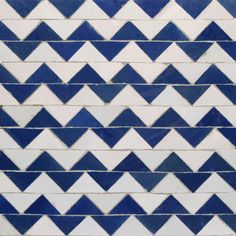 Mosaic House is a New York tile company specializing in Moroccan mosaic zellij or zellige, cement, bathroom, floor and kitchen tile. Mosaic House carries a range of tiles for home and business. Herringbone Tile Pattern, Herringbone Backsplash, White Mosaic Tiles, Brick Bbq, Outdoor Sinks, Shower Niche, House Tiles, Mosaic Patterns, Blue And White