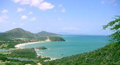 En el vibrante corazón de Playa el Agua en la Isla de Margarita, quienes buscan explorar los fascinantes lugares a lo largo de la costa escogen... http://magictours.com.ve/catalog/index.php?cPath=22