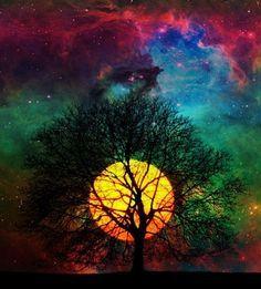 La luna nos ha giñado esta noche, ha montado una fiesta para nosotr@s, nos ofrece pausas ante el estrés, puedes mirar. Ahora es… oxígeno. Sigue tu cuento… Imagen encontrada en psychedelicpixels.tumblr.com gracias.
