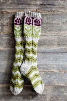 Finnish champion socks - Knitting and Crochet - Large Craft Crochet Socks, Knitting Socks, Hand Knitting, Knit Crochet, Knitting Patterns, Crochet Patterns, Knit Socks, Fair Isle Knitting, Beautiful Hands