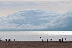 Mind Blowing Photo of a Tsunami Cloud Barreling Down on a Beach. This is not a picture of a tsunami, but instead a cloud that kind of looks like one. The picture was taken off the shore of Lake Michigan. Lago Michigan, Michigan Usa, Holland Michigan, Muskegon Michigan, Cool Pictures, Cool Photos, Beautiful Pictures, Random Pictures, Amazing Photos