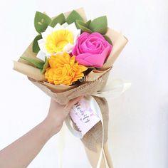 "68 curtidas, 1 comentários - handmade felt flower shop (@fleurify_) no Instagram: ""The Bright colours i've never put together before turns out fun and very cheerful ✨✨☺️☺️ . .…"""