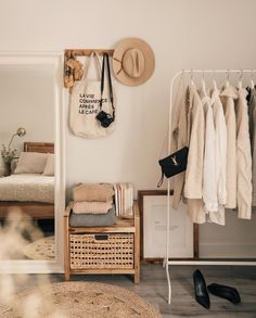 Minimalist Bedroom 661255157775968491 - Excellent bedroom decor ideas are offered on our website. Have a look and you wi Minimalist Bedroom Bedroom Decor Excellent Ideas offered Website Source by zimmeridee Bedroom Inspo, Home Bedroom, Master Bedrooms, Tiny Bedrooms, Bedroom Mirrors, 50s Bedroom, Modern Bedroom, Contemporary Bedroom, Cozy Bedroom Decor
