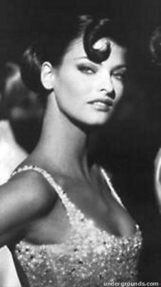 Linda Evangelista photos in fashion -