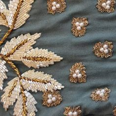 Pearls are always so elegant ! Pearls are always so elegant ! Zardosi Embroidery, Pearl Embroidery, Bead Embroidery Patterns, Tambour Embroidery, Hand Work Embroidery, Couture Embroidery, Bead Embroidery Jewelry, Embroidery Fashion, Hand Embroidery Designs