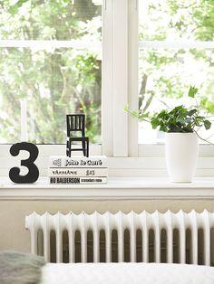 Bøker i vinduskarmen - Hverdagsliv
