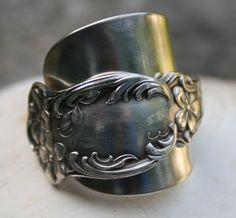 Violet, 1905 Demitasse Ring